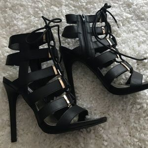 New!Steve Madden cage lace up shoes